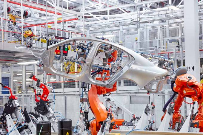 Jaguar stops production at two plants in the UK due to shortage of chips