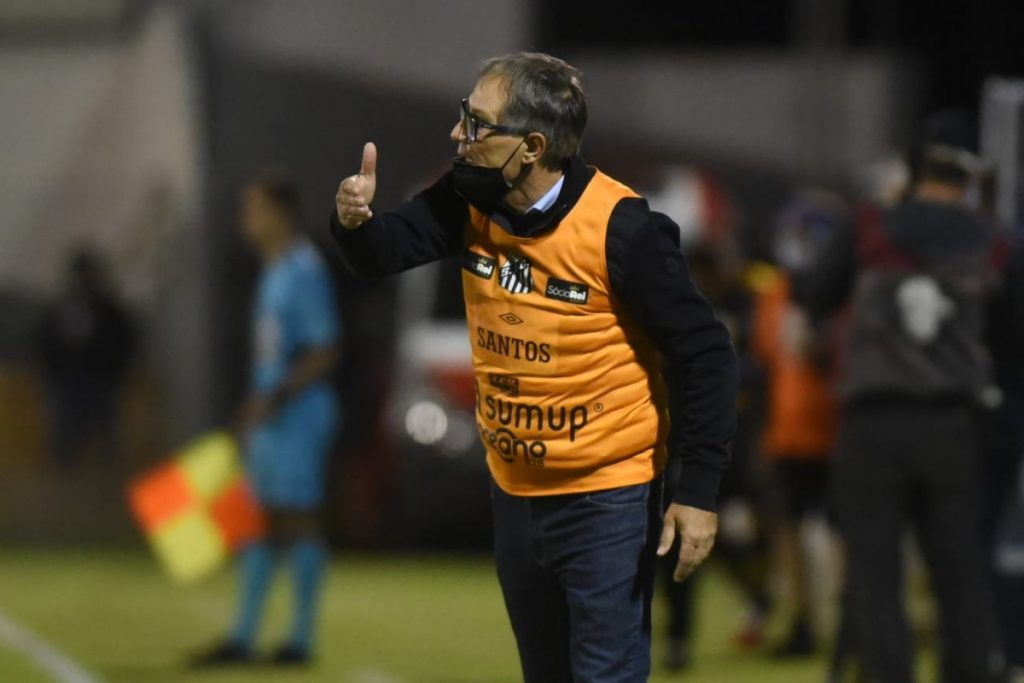 """Ariel Hulan expects to introduce Sotildo and wants reinforcements in Santos: """"We have to hire"""" 