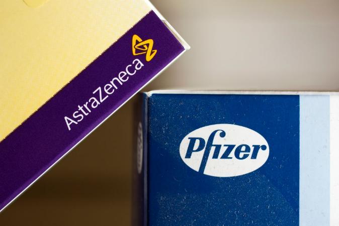 Vaccine: AstraZeneca or Pfizer 1 dose halves Govt.