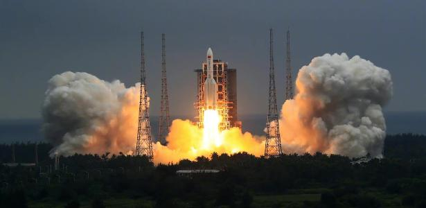 China launches a 24-ton unit to build a space station