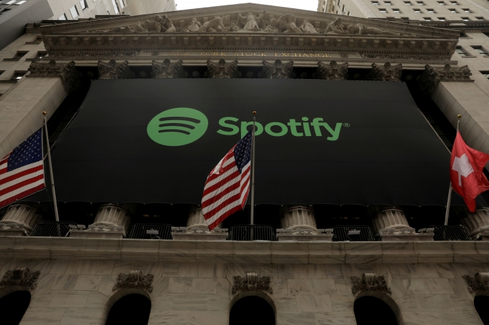 Spotify logo in front of Nyse (Photo: Lucas Jackson / Reuters)