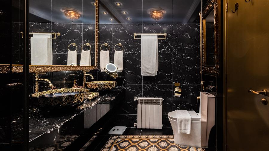 Colline de France imperial suite bathroom, in Gramado