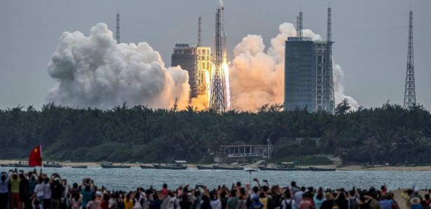Calculations show that the Chinese missile could get out of control and may land in Brazil