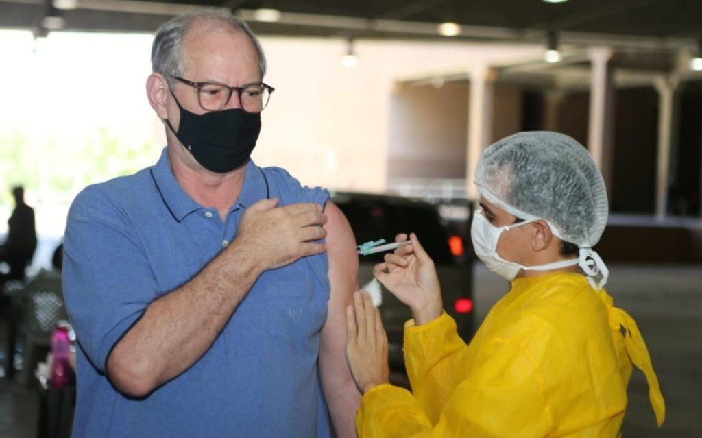 Cerro Gomez receives second dose of vaccine against Covid-19 in Fortaleza    Ciara