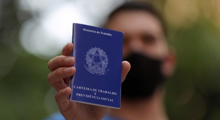 FGV - News says: A generation without a job or study is breaking the record in the pandemic
