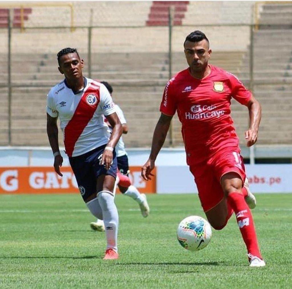 Lantern in Sol Americana, Corinthians' rival, forty-year-old goalkeeper and Brazilian goalscorer |  Corinth