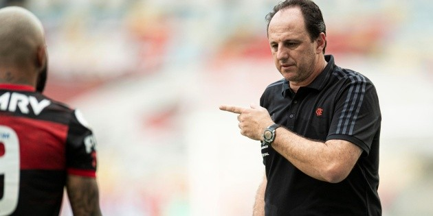 """""""Neglecting"""";  Ruggiero Cene is uncomfortable with training and """"complains"""" about the presence of a defender at Flamengo"""