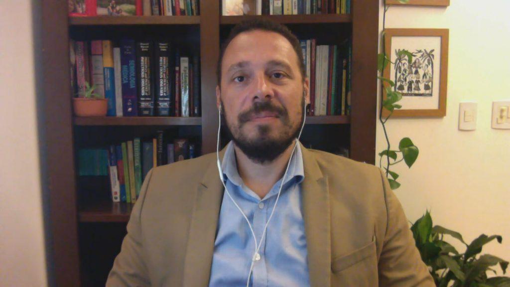O pesquisador Julio Croda alertou para a possibilidade de novas variantes
