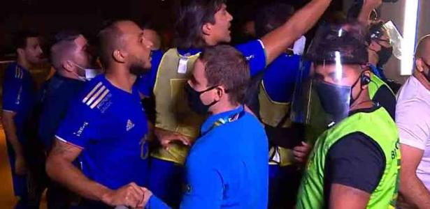 The confusion has Lisca, Moreno, and the staff at Cruzeiro x América-MG