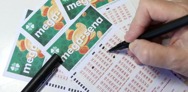 The couple tries to win Mega-Sena with a damaged ticket and loses the case