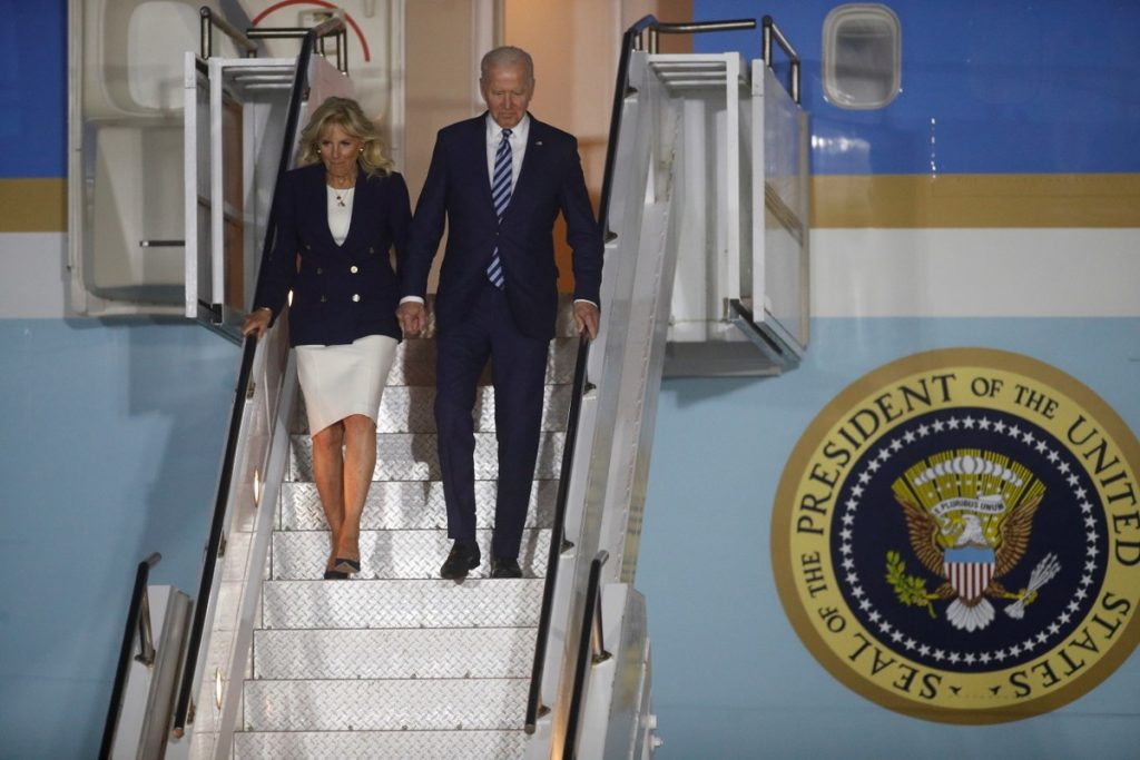 """On his first international trip as president, Biden arrives in Europe and talks about """"the return of the United States"""" 