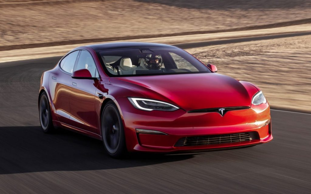The new Tesla Model S reaches 100 km / h in just 2 seconds - automatic صناعة