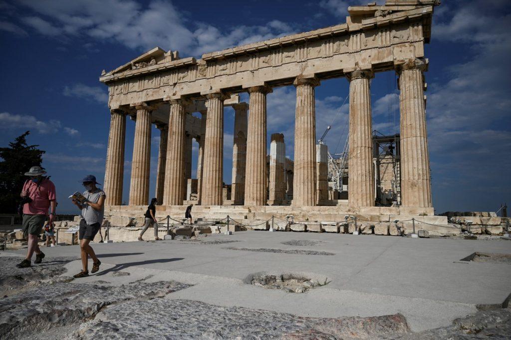 Acropolis renewal project could shake up millennium heritage | التراث  Scientist