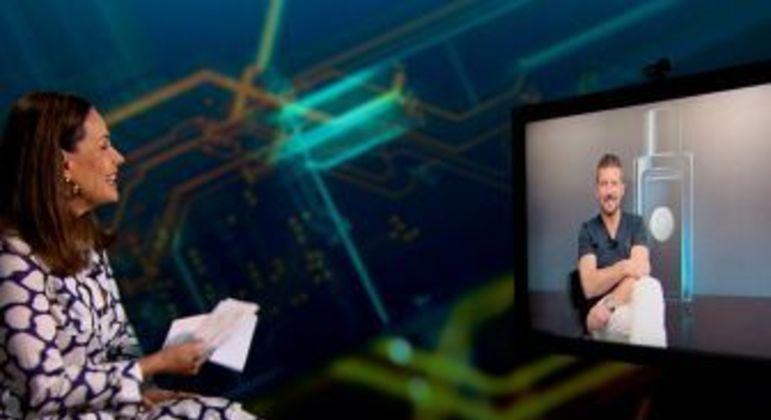 Antonio Banderas talks with Carolina Ferraz on Domingo Espetacular - Entertainment