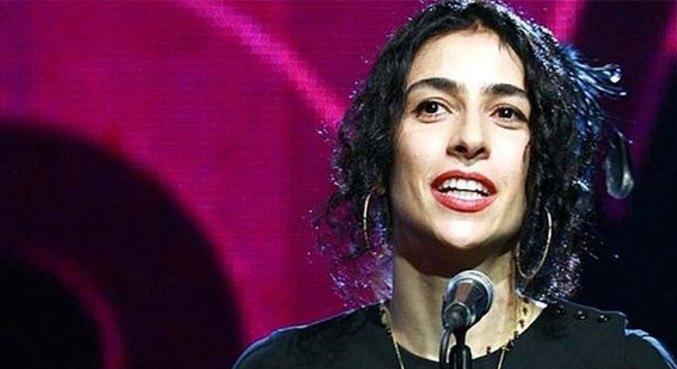 Marisa Monti surprises fans with an amazing announcement!  - Prism glass