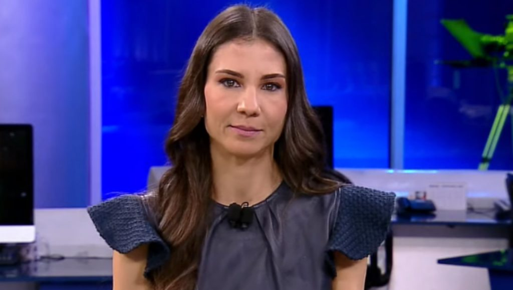Journalist Amanda Klein revolts and resigns from the show