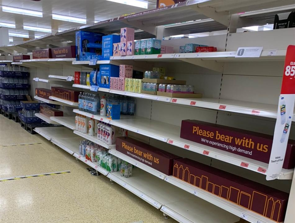 Empty shelves in the UK after utility orders to isolate 600,000 people