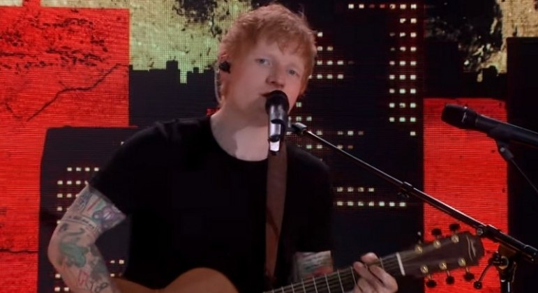"""For the third week, Ed Sheeran's """"Bad Habits"""" is #1 in the UK - Music"""
