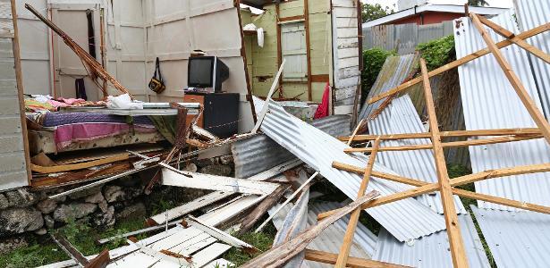 Hurricane destroys homes in Barbados, heading to Florida