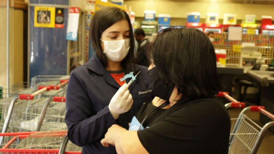 Kamakawa will get flu shots in four supermarkets