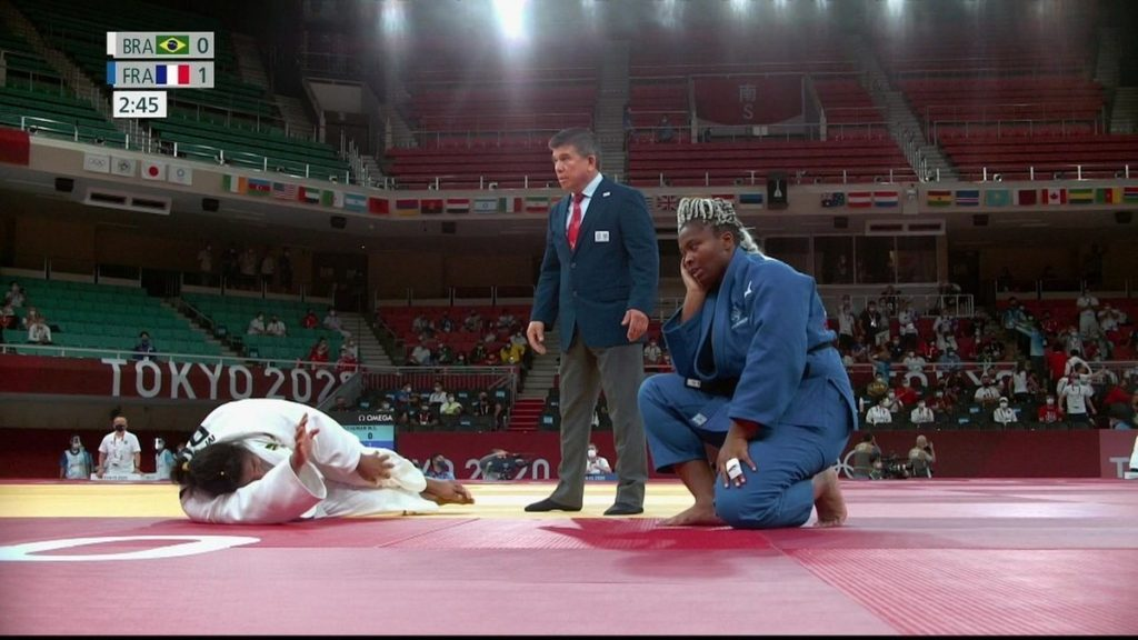 Maria Solin leaves on a stretcher in the Judo quarter-finals and says goodbye to individual strife |  the Olympics