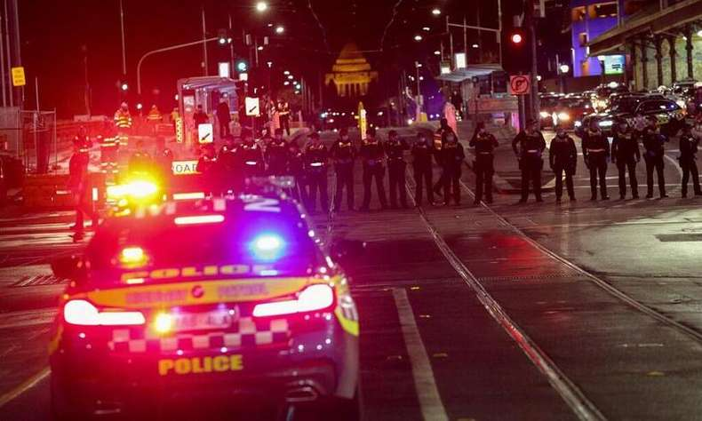 Police forces had to block streets during the lockdown protests in Melbourne (Photo: CON CHRONIS/AFP)