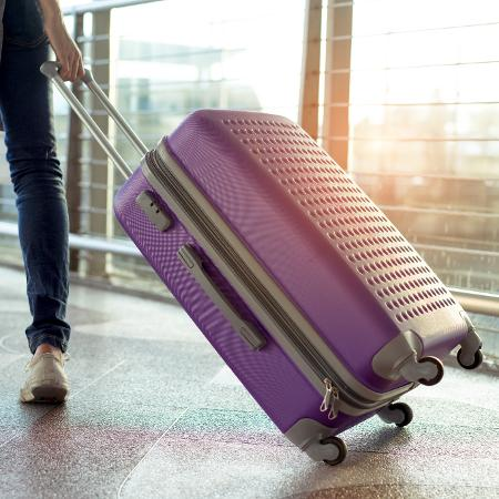 Plane baggage - Getty Images / iStockphoto - Getty Images / iStockphoto