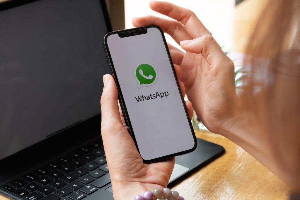 WhatsApp Web tests new photo editing functions