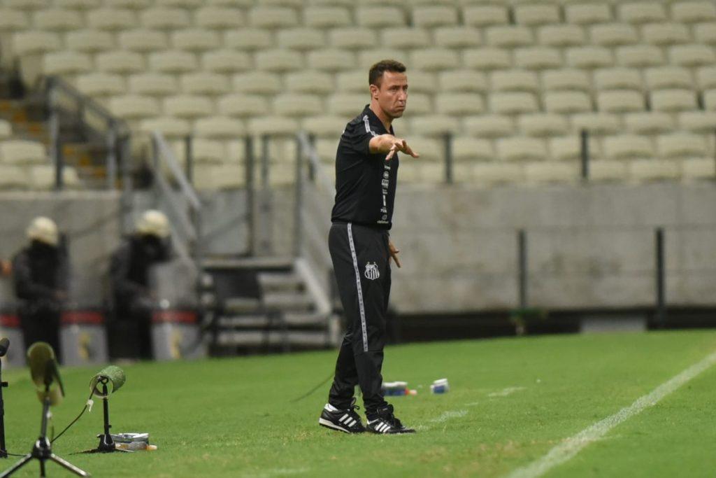 Deniz's assistant praises Santos' performance in the draw: 'It neutralized Fortaleza's key moves' |  saints