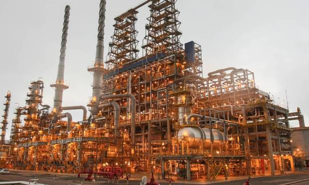 The President Ketlio Vargas Refinery (Ripar) in Parana has a processing capacity of 33,000 m³ of oil per day.  According to sources, Ultra, the owner of the Ipranga gas station, and the Raison Group, a consortium of Kozan and Shell, are interested in making the purchase.
