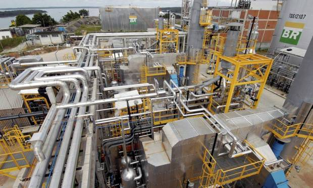Petrobras Resenko sold the Landulpo Alves refinery (RLAM) and seven other refineries located on the piano to Arab funds for $ 1.6 billion.  Photo: Geraldo Kozinsky / Agoncia o Globo