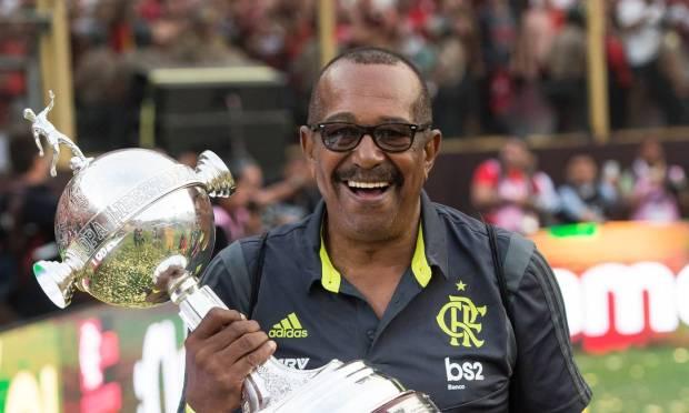George.  Há 40 anos no Flamengo, a massagista não resistiu às complicações e morreu aos 68 anos. Foto: Alexandre Vidal / Flamengo