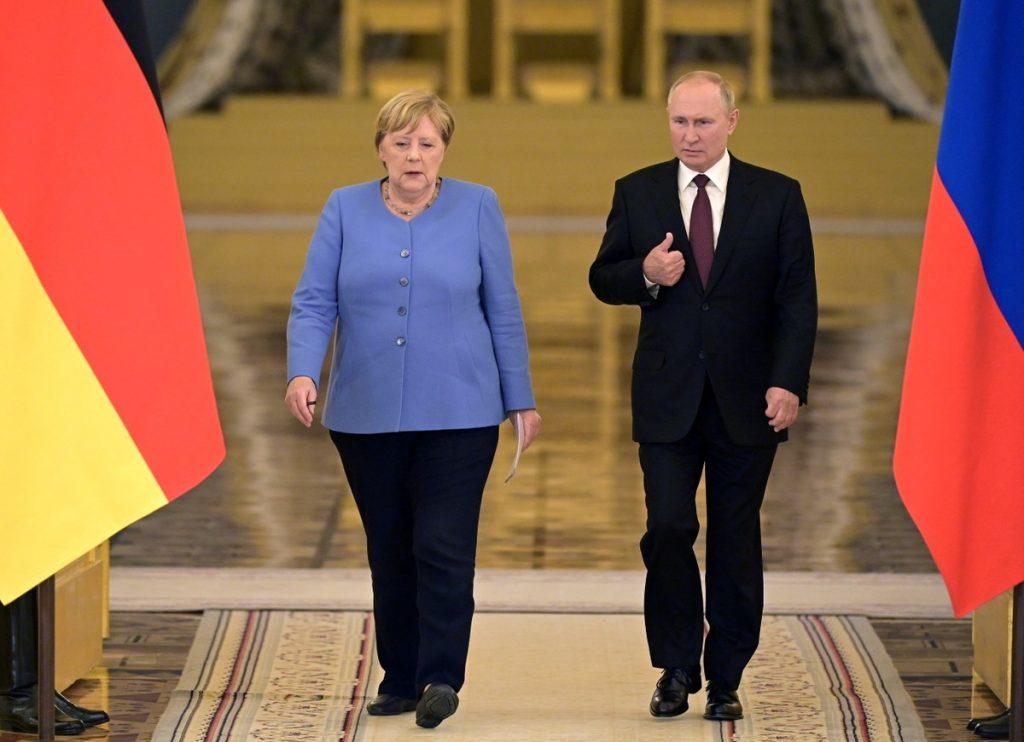 On last visit to Russia as Germany's leader, Angela Merkel defends dialogue with Vladimir Putin    Globalism