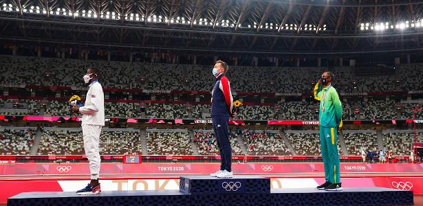 Alisson dos Santos is the first Brazilian athlete saluted on the podium - 03/08/2021
