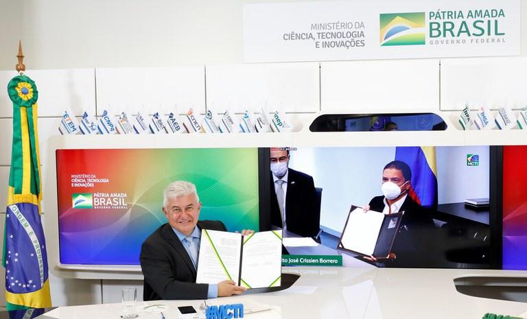 Brasil e Colômbia firmam acordo na área espacial