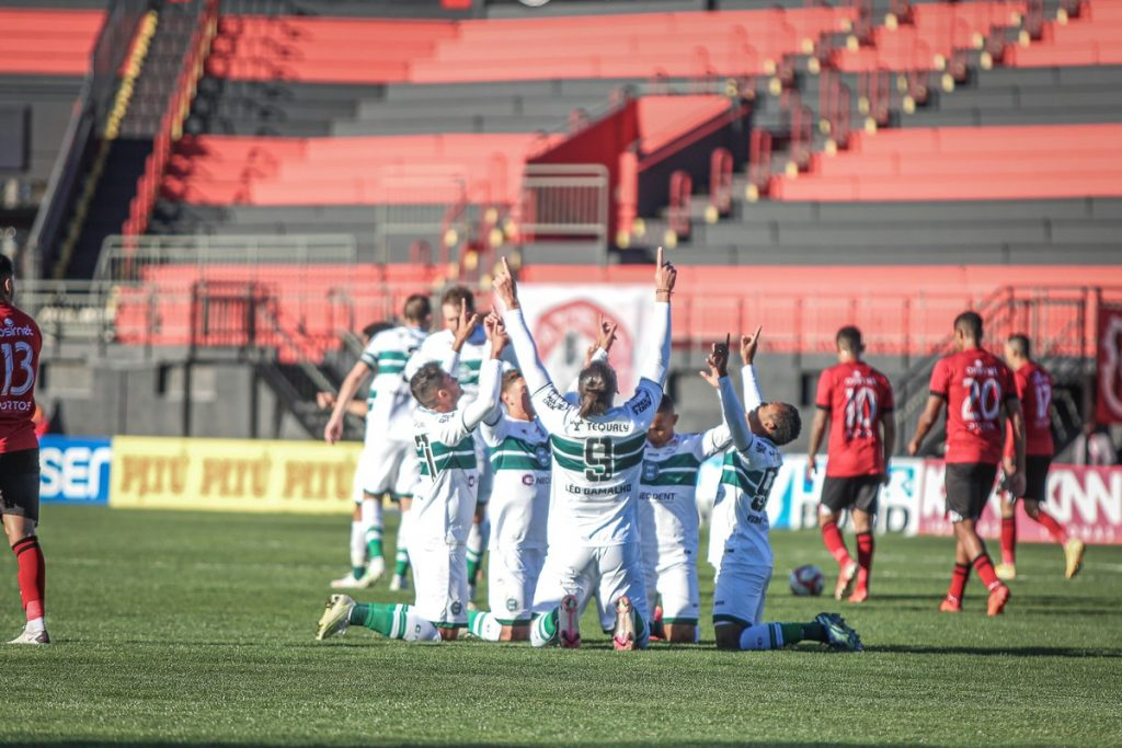 Curitiba takes Nautico out of the top and returns to the top of the Second Division after 11 years |  Curitiba