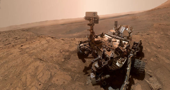 """Rover Curiosity finds a """"cat on a watercraft"""" on Mars (photo)"""