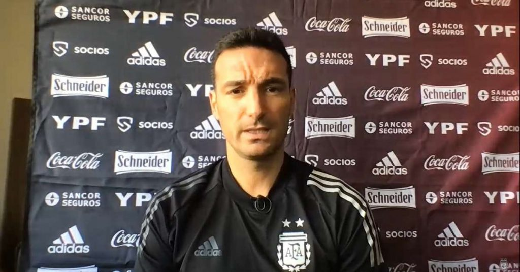 The Argentine coach protects his players