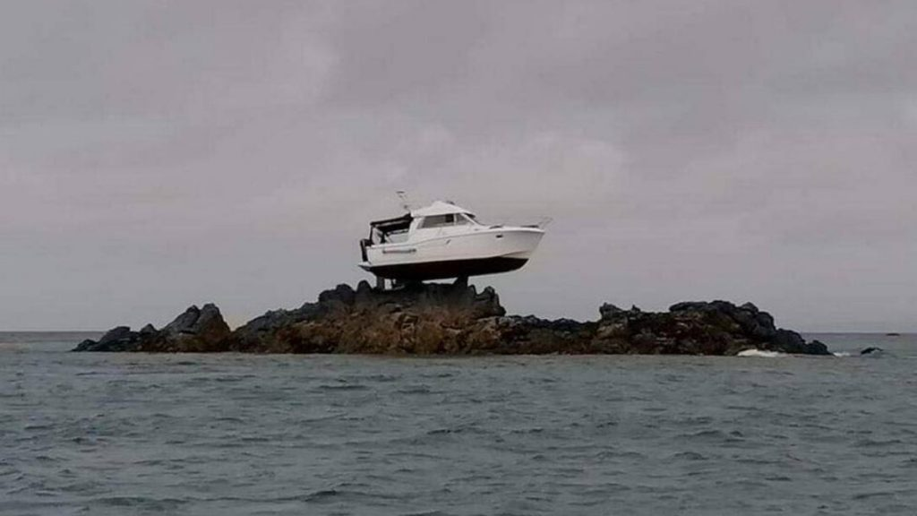 The boat runs three meters above sea level on the island of Jersey;  understand |  Globalism