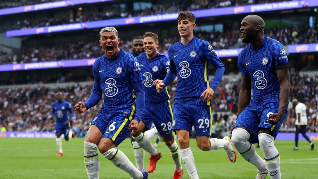 Chelsea runs Tottenham in the derby and is fighting for the top