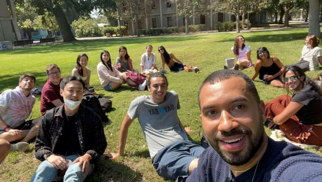 Gil do Vigor posted a photo with PhD colleagues in the US and talks about the experience: Alegria - Zoeira