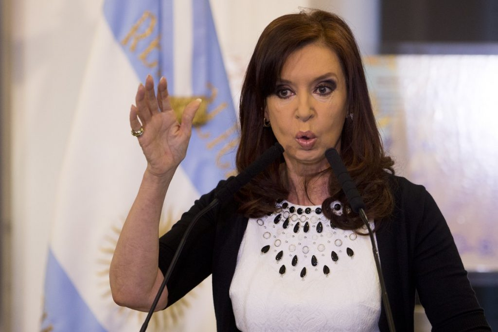 In an open letter, Cristina Kirchner urges the Argentine president to 'respect his word'    Globalism