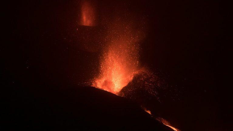 Volcanic ash causes new closure of La Palma airport