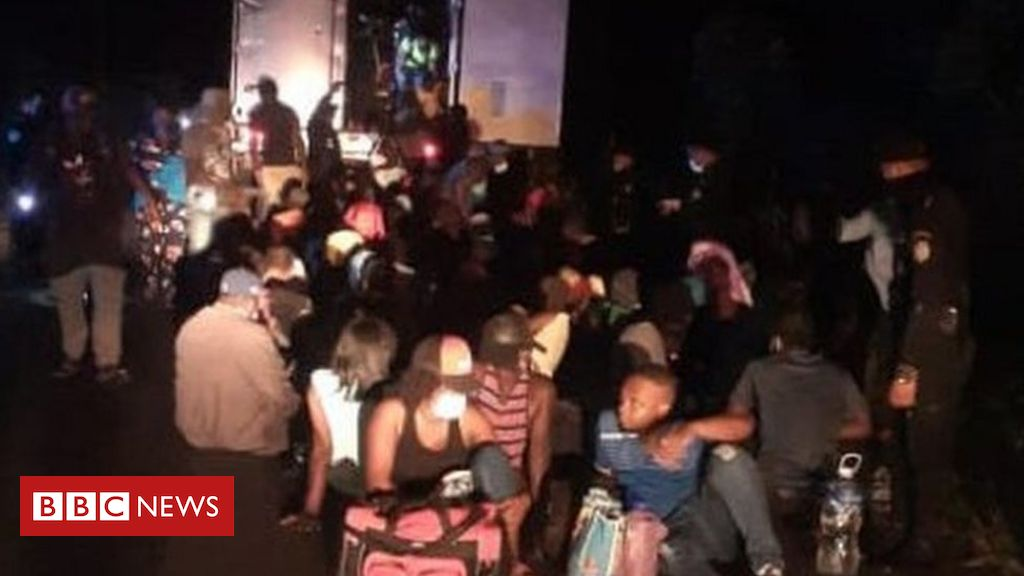 100 migrants discovered in an abandoned container