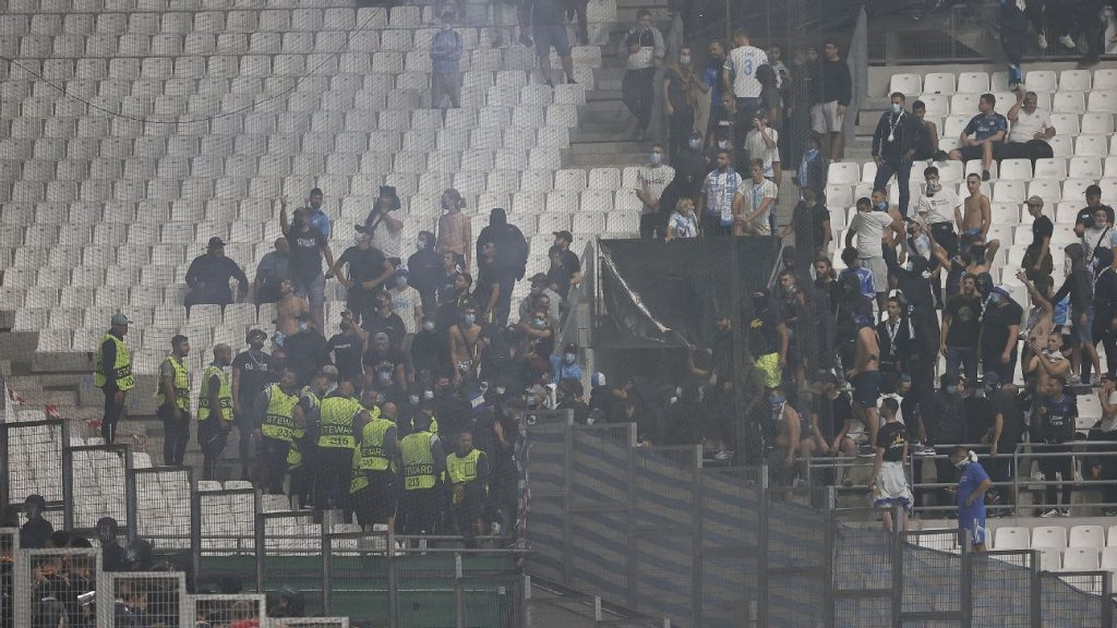 Gerson does not leave the bench, Olympique draws with Galatasaray and goes without a win in the European League;  The game is paralyzed by unbridled chanting