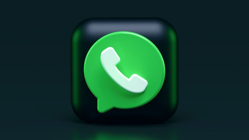 How to clean WhatsApp and free up space on iPhone