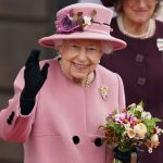 Queen Elizabeth is looking for a cleaner for Bukingan Palace.  Salary 14 thousand Brazilian riyals – the world
