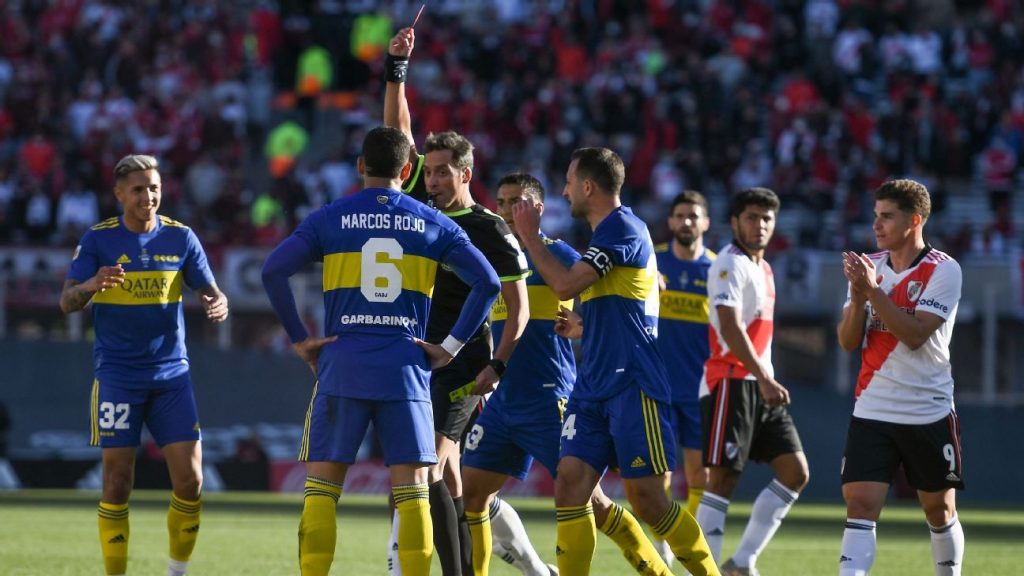River United sent off to beat Boca in the derby